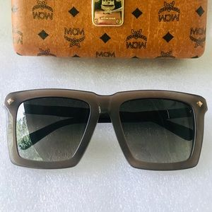 MCM ANGULAR WITH HALF SUNGLASSES
